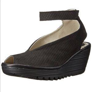 Fly London Yala Black leather wedge sandals Eu 40